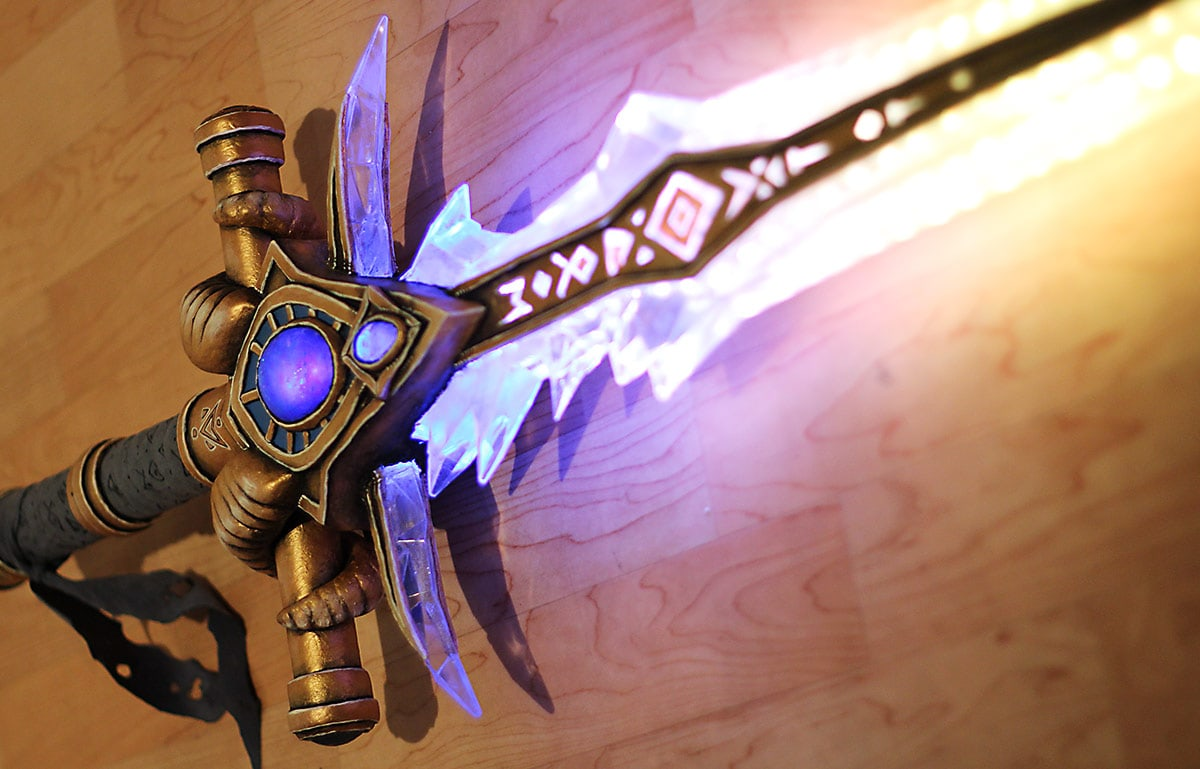 Kamui-Cosplay-Props-Protoss-Shadowmourne-LEDs-Resin