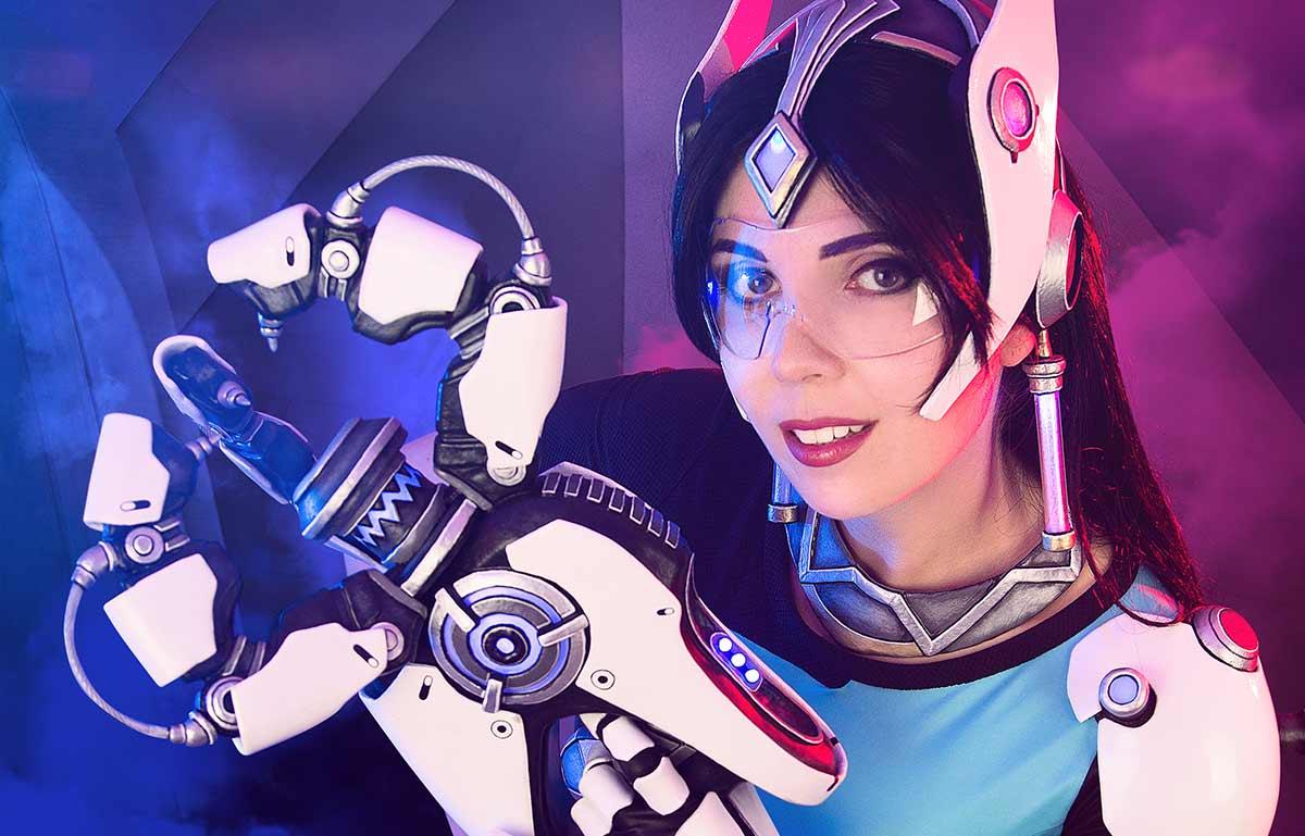 Kamui-Cosplay-Symmetra-Costume-Overwatch-Blizzard-Blaster